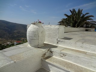 A Renovated old island house with great view., Andros Town