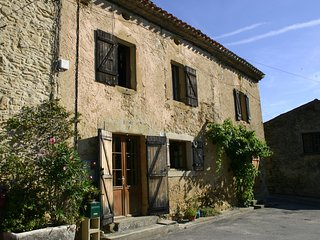 Large beautifully restored village farm house, Mirepoix