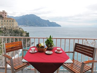 Papavero with terrace and sea view, Atrani