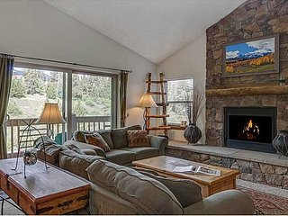 Sweet On-Mountain Penthouse Condo, Breckenridge