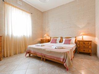 FIELDEND Bed & Breakfast Gharb, private room