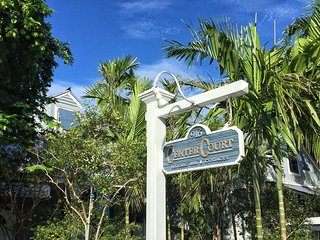Starr's Suite - Luxury! Private 2 Person Spa and Courtyard., Key West