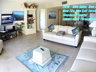 Beautiful Designer Furniture, Art Gallery, Living Space, Florida Keys Vacation