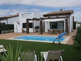 BRAND NEW luxury villa with pool 300m from beach, Caleta de Fuste