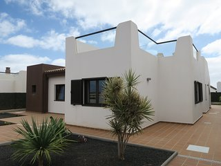 Luxury new villa with private pool 300m from beach on golf resort - HIGHLY RATED