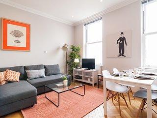 Nice 2 Bedroom Kensington apartment for Families