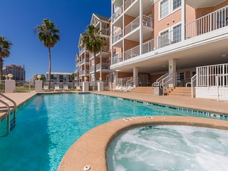 Grand Beach Resort Unit #102 - Ideal Location & Perfect Beach Getaway!, Gulf Shores
