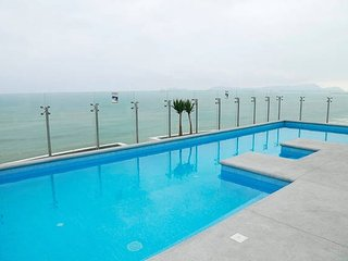 OCEANFRONT Luxury APT. NEAR AIRPORT, Lima