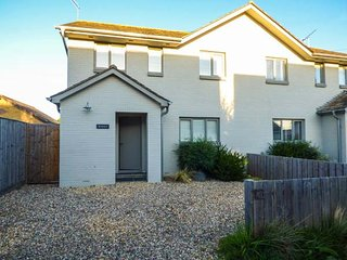 SEASALT, luxurious property, coastal location, en-suite, WiFi, in Bembridge, Ref: 944838