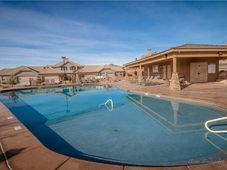 ON SALE! 7TH NIGHT FREE! Poolside Paradise! Beautiful 3BR Villa next to Pools.