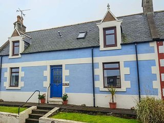 KELTIE, pet-friendly, character holiday cottage, with a garden in Portknockie, R