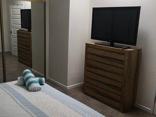King/Twin room 42' TV.