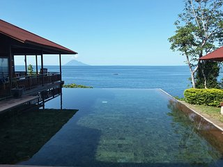 Villa Manare on the beach (Manado Bunaken)