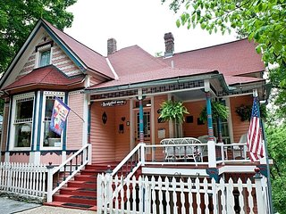 Bridgeford House - The Captain Bridgeford Special Rate $99/Night, Eureka Springs