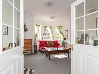 Delightful two bedroom apartment, Oxford