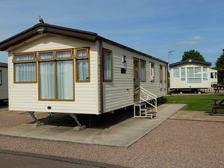2 Bedroom Caravan (No Pets)