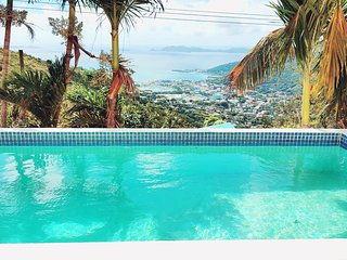 Harbour Heights - Beautiful 4 Bed Home - Sleeps 8 - Stunning Views - Pool