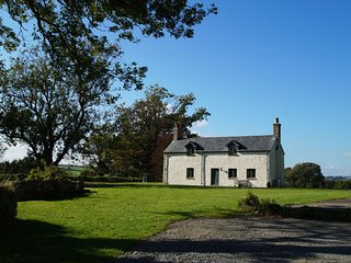 Laugharne Cottage, Stunning views - 55667