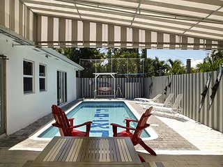 High-Tech Deerfield Beach Studio w/ Pool, Bar and Private Masseurs