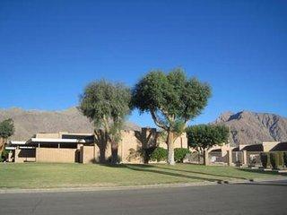 Mid Century Gem in Downtown Borrego Springs - Stylish, Central 1BR, 1BA, Salton City