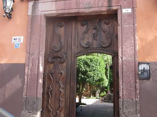 Cozy Historic Centre Guest Suite, San Miguel de Allende