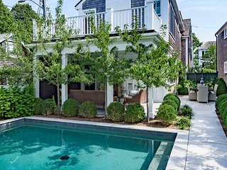 ALLNW - Historic Luxury Retreat with Pool, Village Location, Walk to In-town, Edgartown