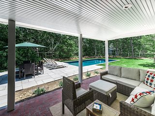 LUCCA - Newly Updated, Luxury Interior, Heated Pool,  Screened Porch Overlooking