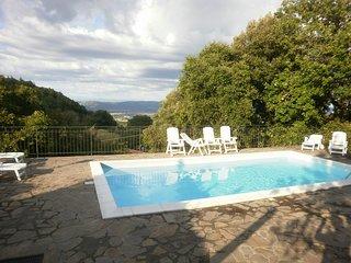 casa con piscina, Chiusdino