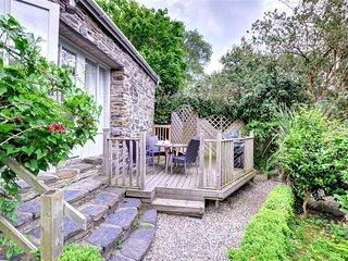 Panteidal Gatehouse (FL036), Eglwys Fach