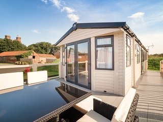 Castle View Let With Private Sunken HotTub., Tattershall