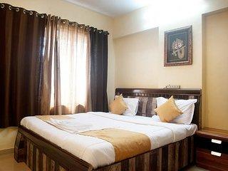AC Room in 2/3 Bedroom Apartment-Powai, Bombay