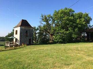 Romantic tower in deep countryside, Parranquet