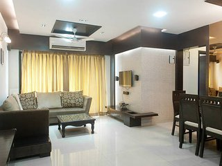 One room in 3 BHK near NESCO, Andheri on JVLR, Mumbai (Bombay)