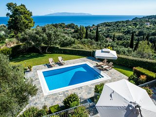 Kefalonia Holiday Villa with Private Pool and Sea Views. 5 bedroom, sleeps 10