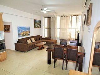 3-room flat only 50 m from the sea- Jerusalem 12/5