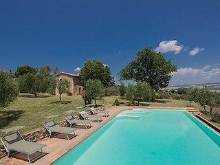 4 bedroom Villa in Castiglione d Orcia, Siena, Italy : ref 2237170