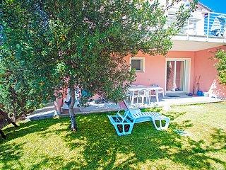 Marina di Bibbona Apartment Sleeps 4 with Pool Air Con and WiFi - 5055758