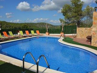Villa Sitges  Amores a 8 minutos . Piscine XXL. Terrace 300 M2. Bar, Chill, etc