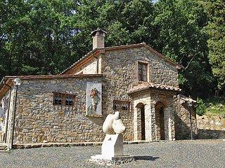3 bedroom Villa in Monteverdi Marittimo, Tuscany, Italy : ref 5055777