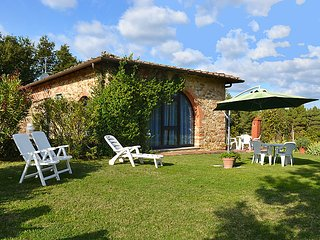 2 bedroom Villa in Fornacelle, Tuscany, Italy : ref 5055943