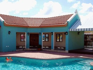 Mi Cadushi Studio with Pool at Noord