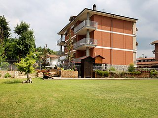 2 bedroom Apartment in Cisterna d'Asti, Piedmont, Italy : ref 5035738