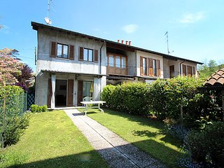 2 bedroom Villa in Travedona Monate, Lombardy, Italy - 5054444