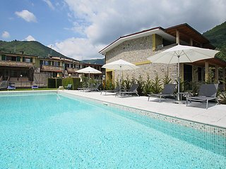 2 bedroom Apartment in Rocca d'Anfo, Lombardy, Italy - 5570577