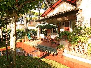 4 bedroom Villa in Forte dei Marmi, Tuscany, Italy : ref 5055091