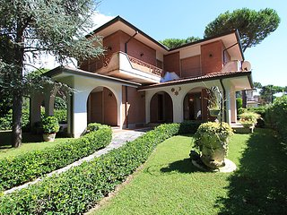 5 bedroom Villa in Forte dei Marmi, Versilia, Lunigiana and sourroundings