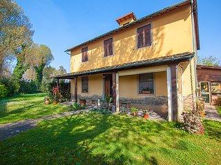 4 bedroom Villa in Viareggio, Tuscany, Italy : ref 5055159