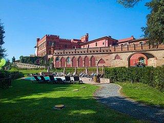 2 bedroom Apartment in Lari, Lucca Pisa, Italy : ref 2218621