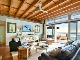 Exclusive Oceanfront Cayucos Loft! Amazing Views
