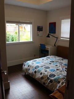 1st Main floor bedroom - Double Bed
